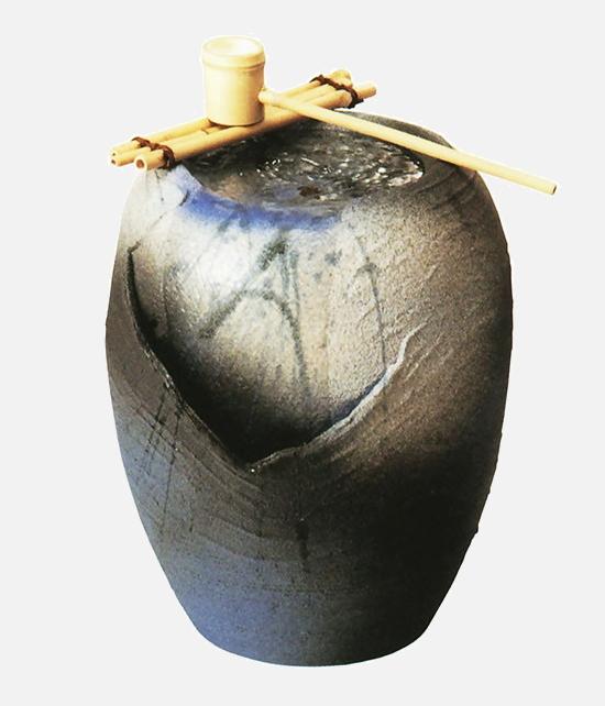 湧き水つくばい清涼 (竹・循環式モーター付) (信楽焼・つくばい・蹲い・インテリア・水琴窟・H)